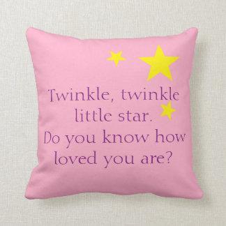 Poco rosa de la almohada de la estrella