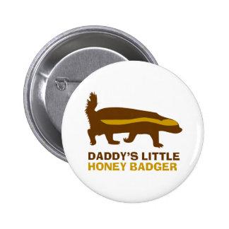 Poco tejón de la miel del papá pin redondo 5 cm