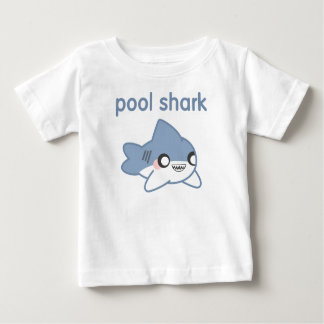 Poco tiburón de la piscina embroma las camisetas remera