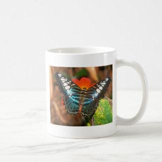 podadoras de las mariposas taza