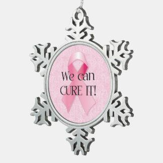 Podemos curarlo ornamento rosado del copo de nieve adorno de peltre en forma de copo de nieve