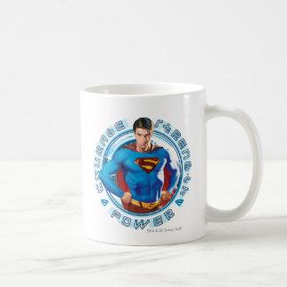 Poder de la fuerza del valor del superhombre taza clásica