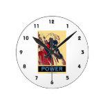 Poder de Nikola Tesla (Obama-Como el poster) Reloj Redondo Mediano