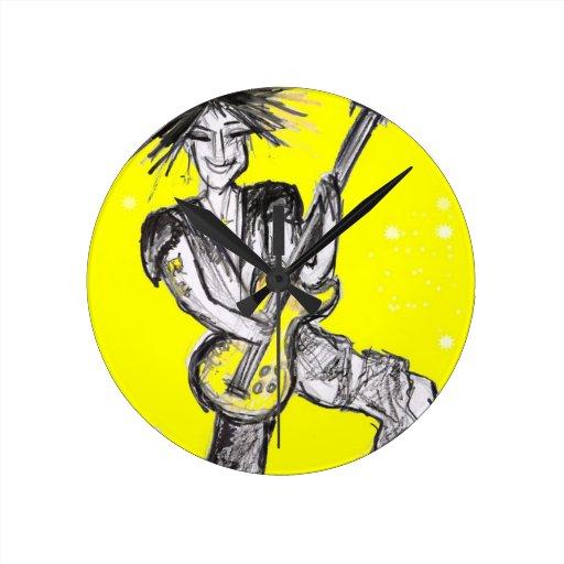 poder del amarillo reloj de pared