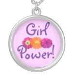 ¡Poder del chica! Flores rosadas, púrpuras, anaran Colgantes Personalizados