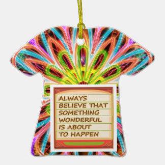 Poder del pensamiento positivo de la intención n adorno de cerámica en forma de playera