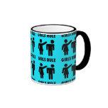 Poder divertido del chica de las azules turquesas  taza de café