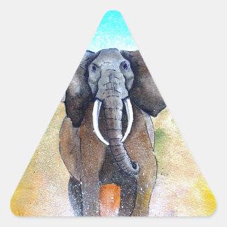 Poder salvaje del elefante pegatina triangular