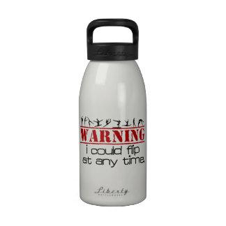 Podría mover de un tirón en cualquier momento - la botella de beber