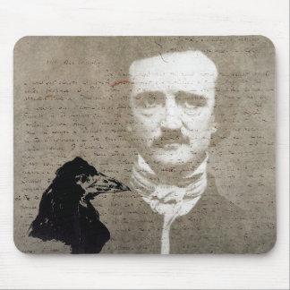 Poe y el arte de Digitaces del Grunge del cuervo Tapete De Raton