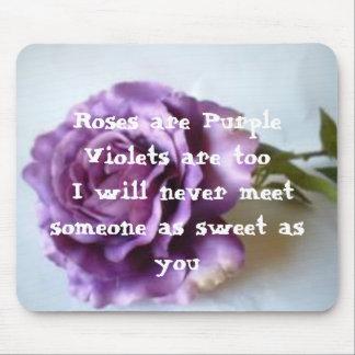 Poema color de rosa púrpura tapetes de raton