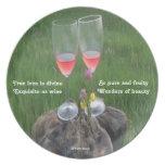Poema del vino de la placa por el afloramiento de  plato de cena
