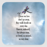 "Poema ""tan amado"" de la libélula pegatina cuadrada"