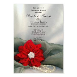 Poinsettia y perlas que casan la cena del ensayo invitaciones personalizada