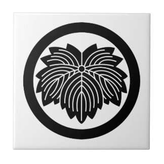 Pointed-leaf ivy in circle small square tile