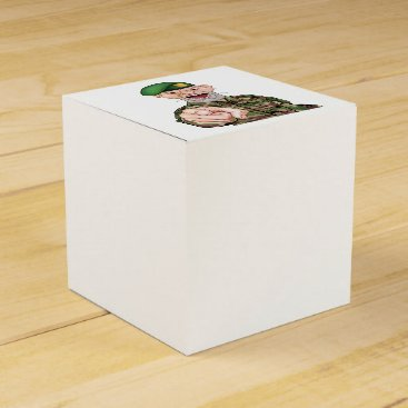Pointing Soldier Cartoon Favor Box