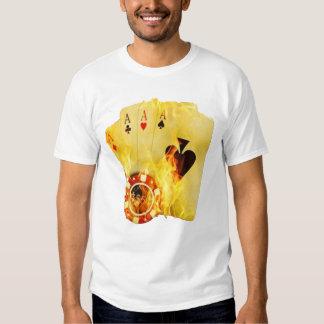 Póker en la camiseta del fuego playeras