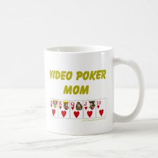 Póker video: corazón video de la mamá del póker taza básica blanca