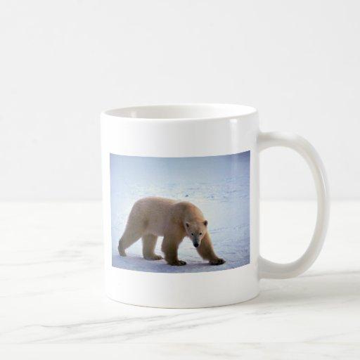 Polar Bear on snow Classic White Coffee Mug