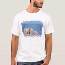 polar bear, Ursus maritimus, sow with cubs T-Shirt