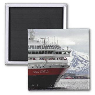 Polar Cruiseship Magnet