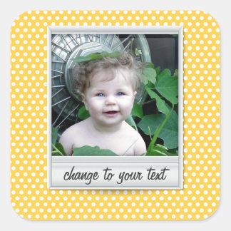 Polaroid en el polkadot amarillo blanco y soleado calcomania cuadradas personalizadas