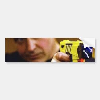 Poli con un arma de Taser Pegatina Para Auto