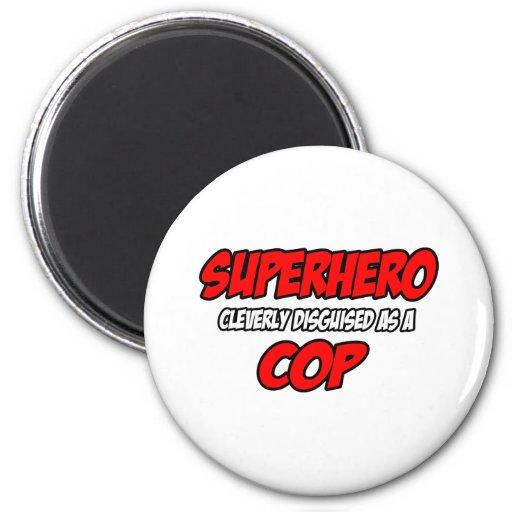 Poli del super héroe… imán de frigorífico