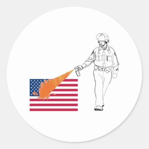 Poli picante casual del aerosol con la bandera pegatina redonda