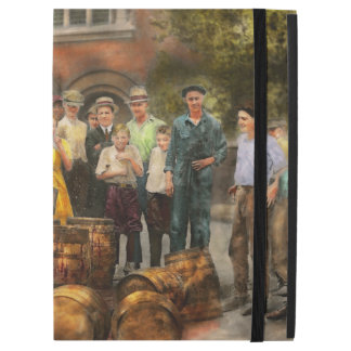 Police - Prohibition - A smashing good time 1921 iPad Pro Case