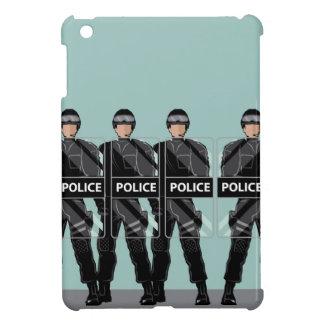 Policía antidisturbios con los escudos