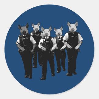Policía británica anti pegatinas redondas