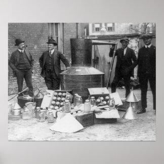 Policía con todavía confiscado, 1922 impresiones