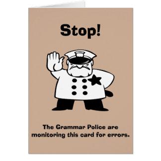 Policía de encargo de la gramática que supervisa tarjeta de felicitación