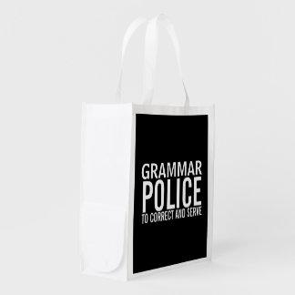Policía de la gramática a corregir y a servir bolsas de la compra
