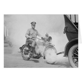 Policía de motocicleta de servicio, 1923 tarjeta de felicitación
