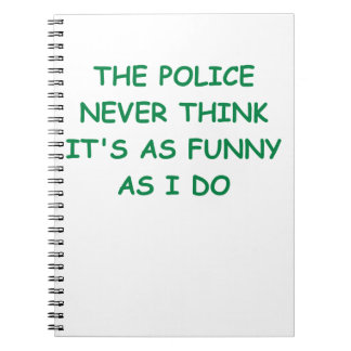 policía cuadernos