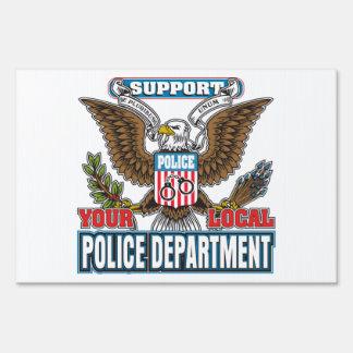 Policía local de la ayuda señales