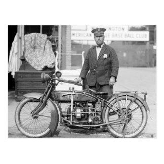 Policía Motorcycle, 1922 de Henderson Postales