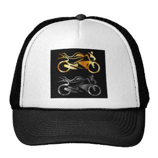 Policía motorizado dos gorras