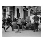 Policía que agarra a Liquor de contrabando, 1923