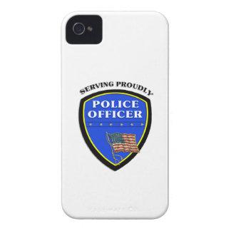 Policía que sirve orgulloso iPhone 4 Case-Mate cárcasas