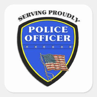 Policía que sirve orgulloso pegatina cuadrada