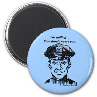 Policía sonriente Humor del oficial Iman Para Frigorífico