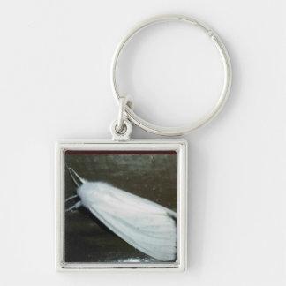 polilla blanca llavero cuadrado plateado