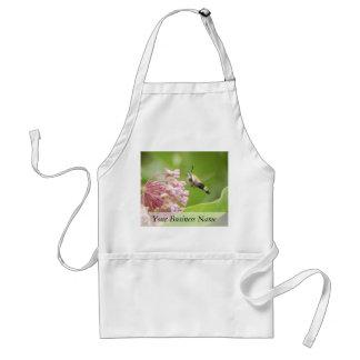 Polilla de colibrí en las flores del Milkweed Delantal