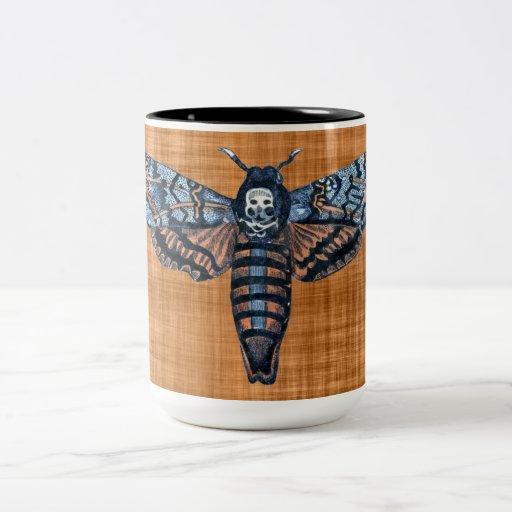 Polilla de la cabeza de muerte, aka polilla del at taza de café