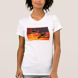 Polilla de la puesta del sol de Madagascar Camiseta