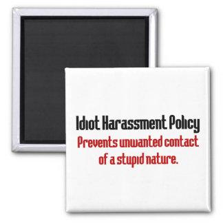 Política de prevención del idiota iman de nevera