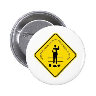 Político que cruza copy.GIF Pin Redondo De 2 Pulgadas